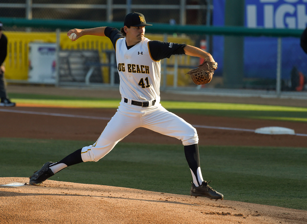 . LBSU starting pitcher John Sheaks takes the mound in the 1st inning in Long Beach on Friday, April 14, 2017. LBSU vs CSU Northridge baseball. (Photo by Scott Varley, Press-Telegram/SCNG)