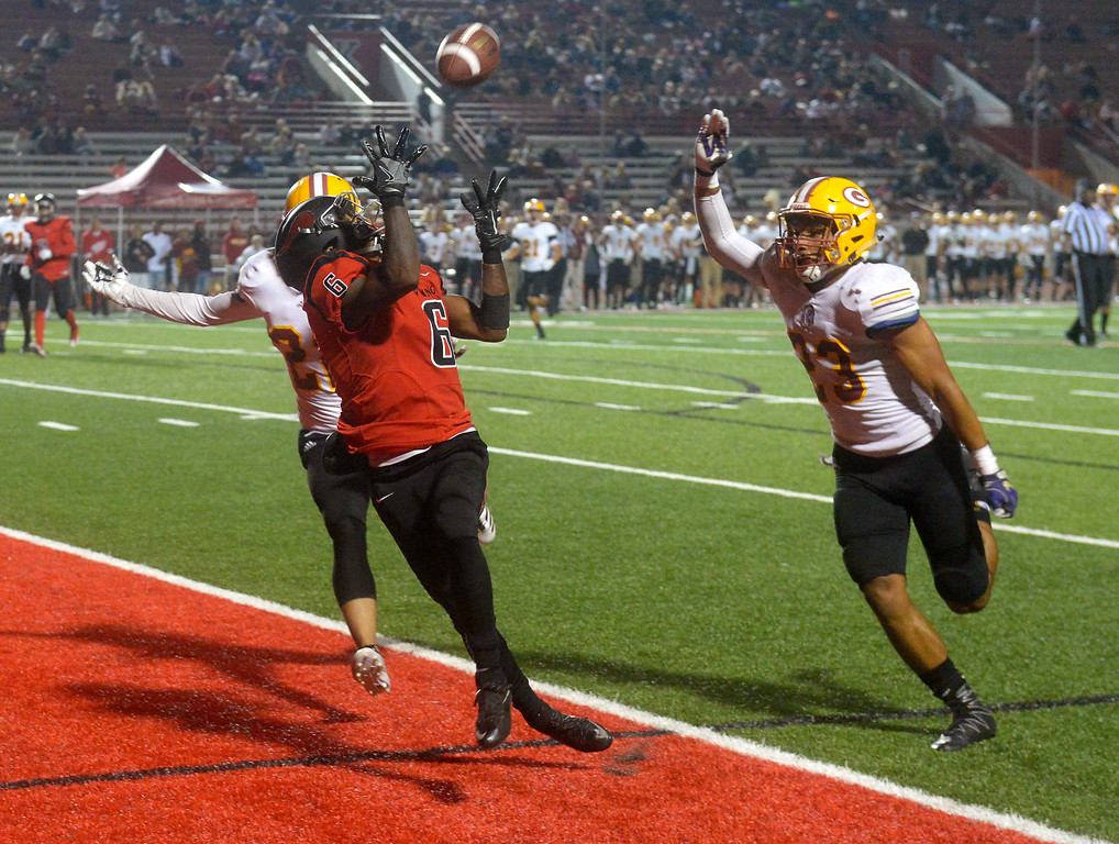 . LBCC�s Cedric Byrd hauls in a TD pass in the end zone in Long Beach on Saturday, September 9, 2017. Junior College football - Long Beach City College vs Saddleback. Saddleback won 45-35. (Photo by Scott Varley, Press-Telegram/SCNG)