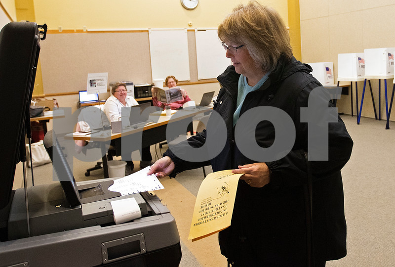 dnews_0403_Early_Voting_03
