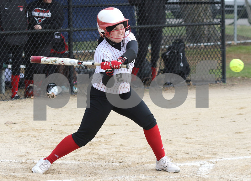 dc.sports.0412.ic hiawatha softball02