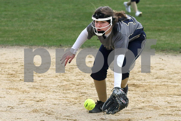 dc.sports.0412.ic hiawatha softball16