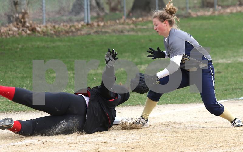 dc.sports.0412.ic hiawatha softball19