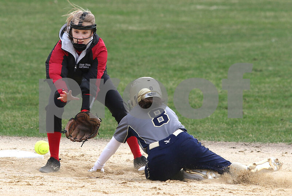 dc.sports.0412.ic hiawatha softball12