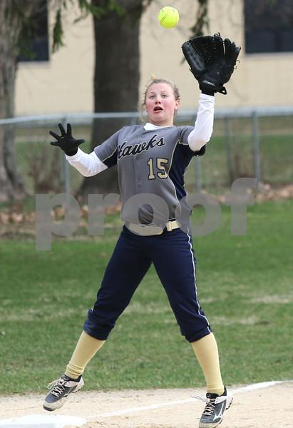 dc.sports.0412.ic hiawatha softball18