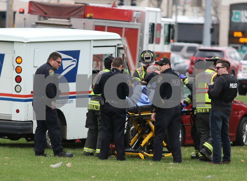 dc.0413.mail truck crash01
