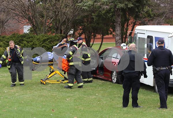 dc.0413.mail truck crash02