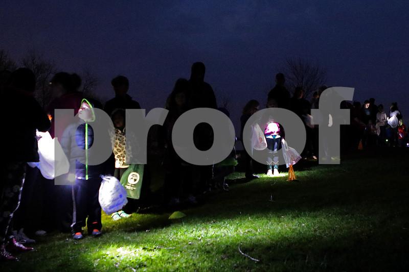 dnews_0413_Flashlight_Easter_04
