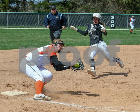 dc.sports.0415.kaneland dek softball16