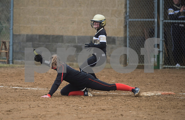 dspt_fri_413_dek_kan_softball1