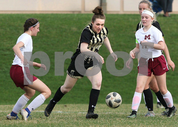 dc.sports.0417.morris sycamore soccer10