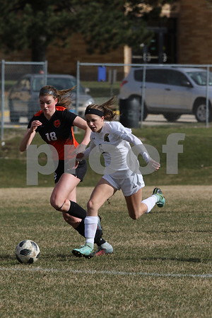 dc.sports.0418.dekalb sycamore soccer