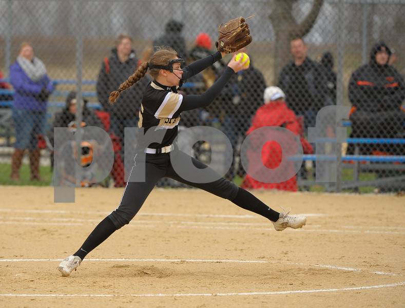 dc.sports.0419.Sycamore-DeKalb-Softball-5