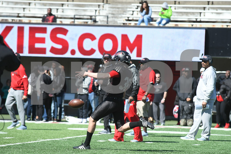 dc.sports.0422.niu football huskie bowl12