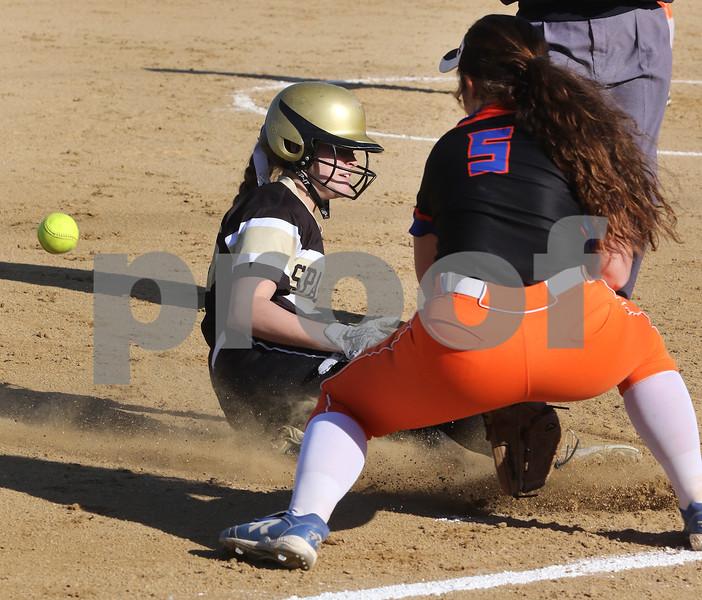 dc.sports.0426.sycamore gk softball04