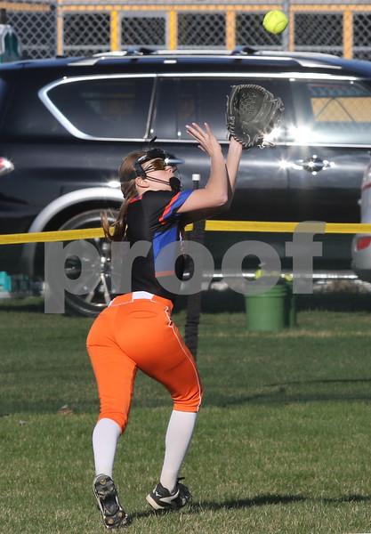 dc.sports.0426.sycamore gk softball11