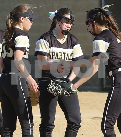dc.sports.0426.sycamore gk softball02