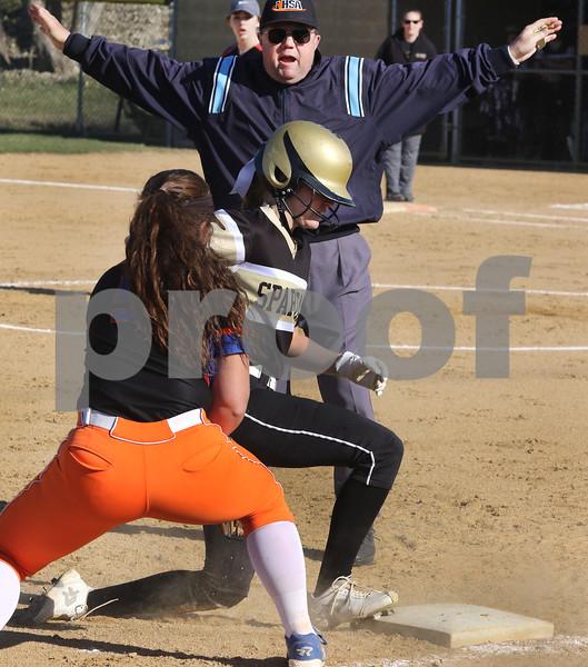 dc.sports.0426.sycamore gk softball05