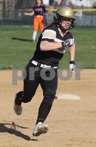 dc.sports.0426.sycamore gk softball06