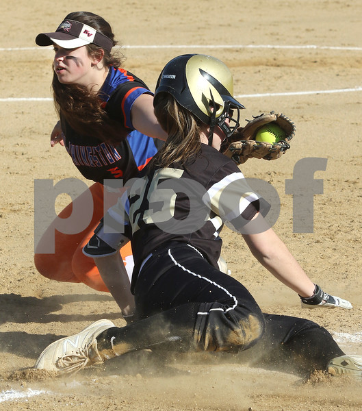 dc.sports.0426.sycamore gk softball07