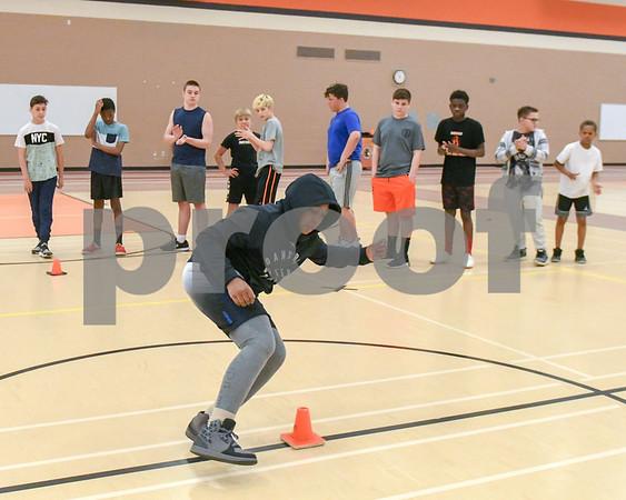 dc.sports.0429.dekalb football combine16