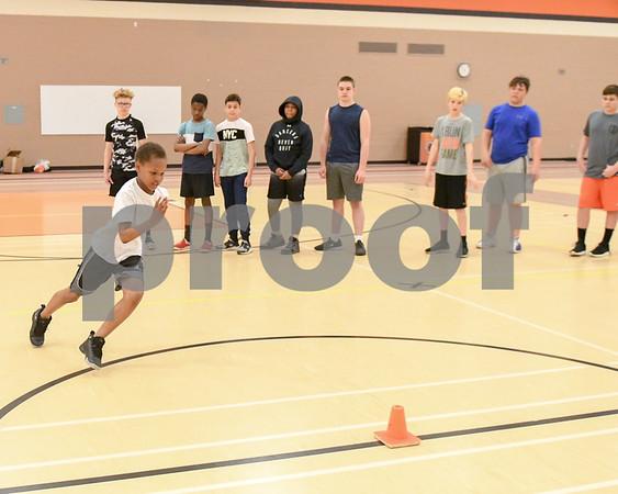 dc.sports.0429.dekalb football combine15