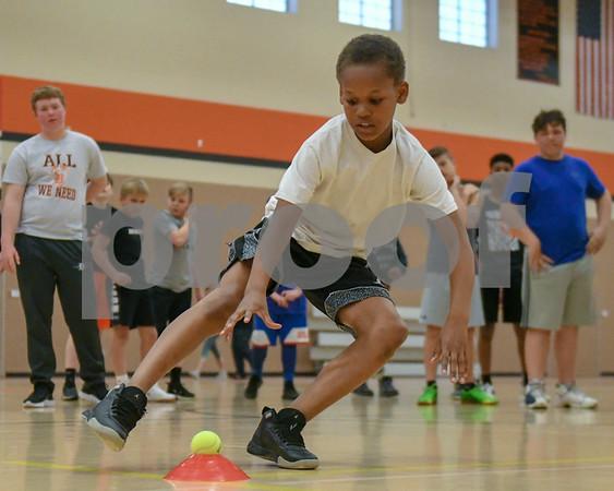 dc.sports.0429.dekalb football combine20
