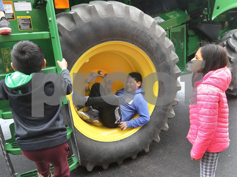 dc.0430.ag history expo06