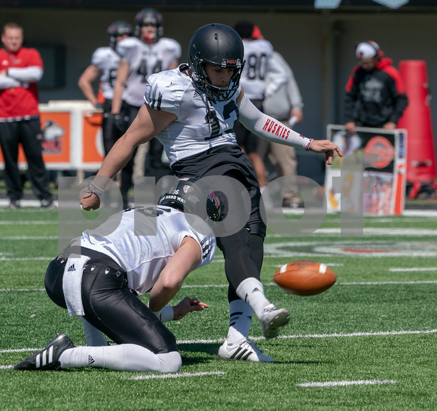 dc.sports.0430.niu football