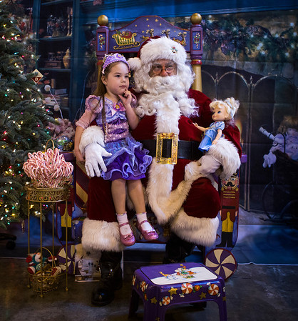 Kids get photo with Santa Claus