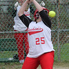 Saugus043018-Owen-softball5