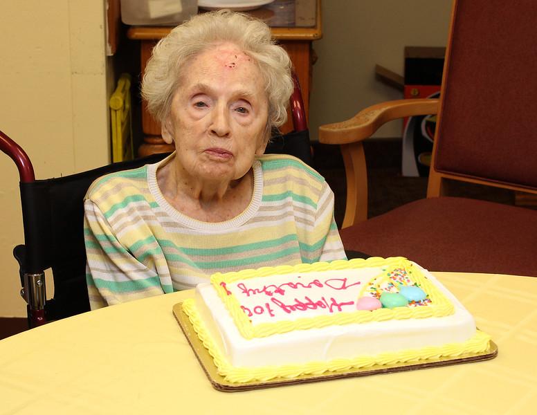Lynn051418-Owen-100 year old woman1