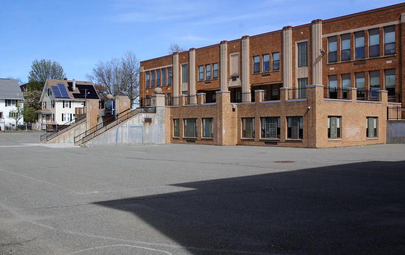 Lynn050619-Owen-harrington school02