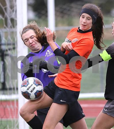dc.sports.0503.dek kane soccer09