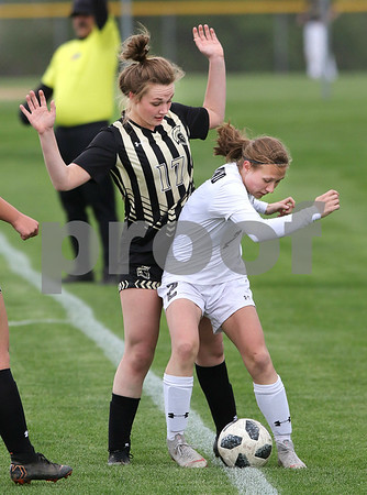 dc.sports.0508.kaneland sycamore soccer07