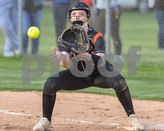 dc.sports.0509.kl dek softball15