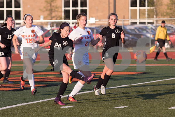 Sam Buckner for Shaw Media.<br /> Gabby Faletto passes the ball to a team mate down the field on Thursday May 11, 2017.