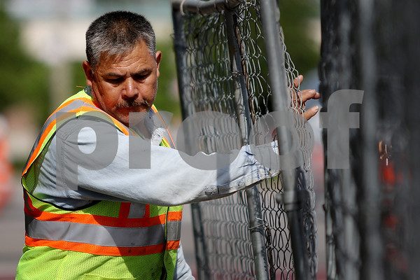 dnews_0516_Ottos_Fencing_02