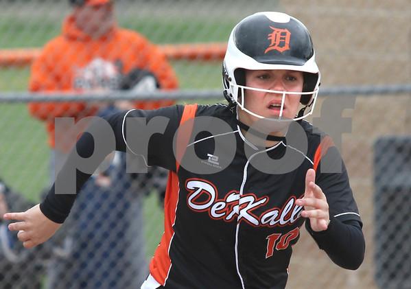 dc.sports.0521.dek softball02
