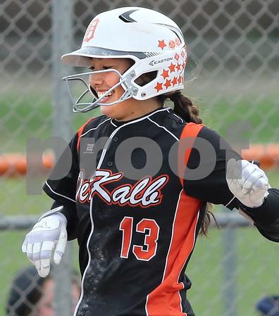 dc.sports.0521.dek softball11