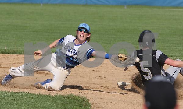 dc.sports.0524.sycamore baseball10