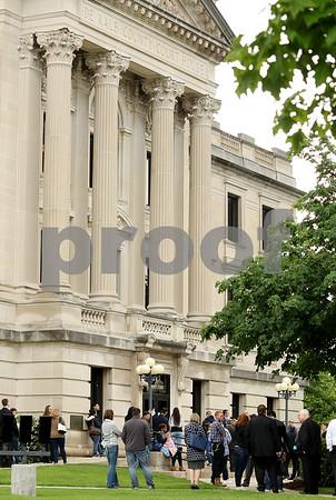 dnews_0524_Courthouse_Evac_07