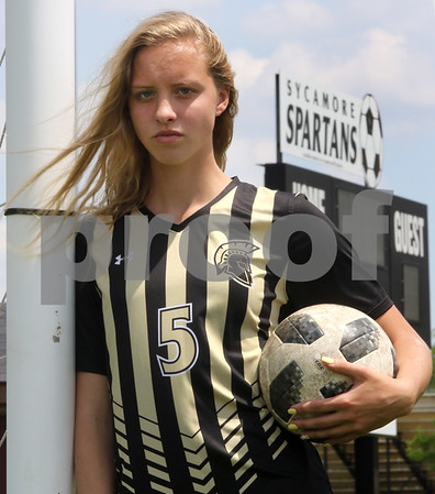 dc.sports.0525.girls soccerPOY02