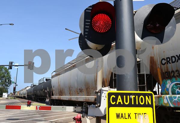 dc.052518.TrainStalled01