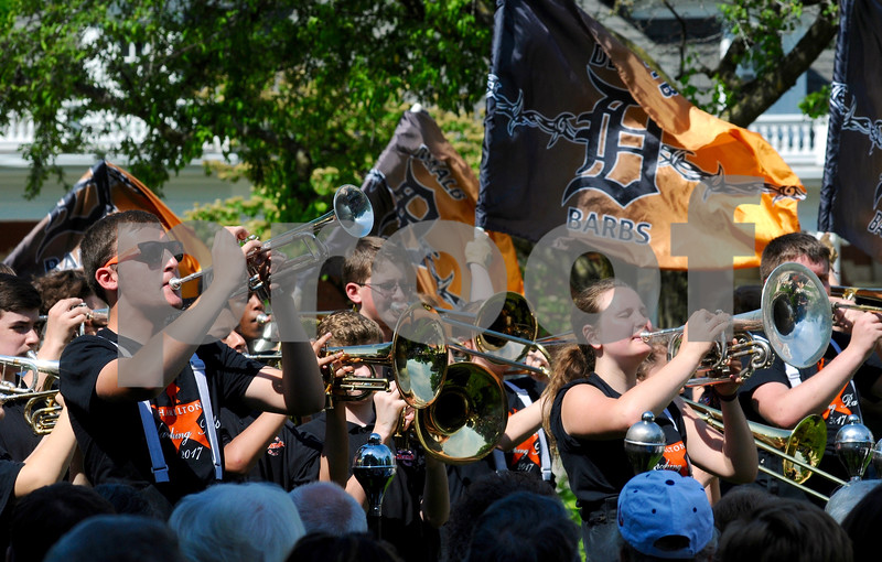 The DeKalb High School marching band performs at Memorial Day ceremonies on Monday, May 28 at the Ellwood House Museum in DeKalb.<br /> Steve Bittinger - For Shaw Media