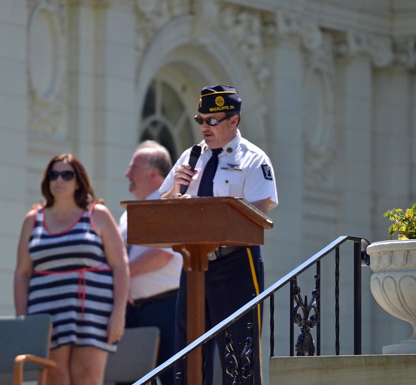 . Paul DiCicco - The News-Herald <br>  Wickliffe\'s Brewer-Tarasco Post 7 past Commander, Chuck Hillier, Master of Ceremony.