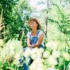 01940 Summer20 gardener 8