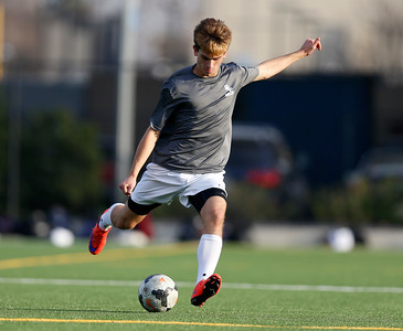 Bellarmine College Prep's Dylan Carrubba passes the ball during varsity soccer practice on the Bellarmine College Prep soccer field in San Jose, Calif., on Tuesday, Feb. 9, 2016. (Nhat V. Meyer/Bay Area News Group)