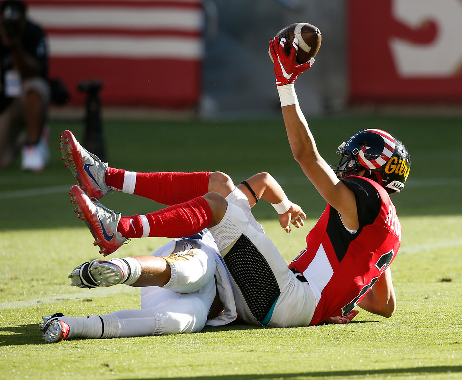 . South\'s PJ Reichert scores a touchdown against the North in the first quarter during the Charlie Wedemeyer high school all-star football game at Levi\'s Stadium in Santa Clara, Calif., on Saturday, July 16, 2016. (Jim Gensheimer/Bay Area News Group)