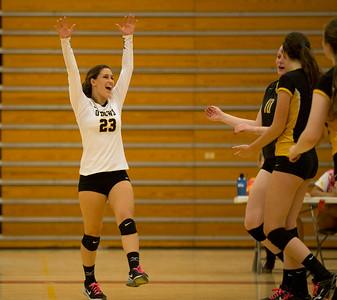 Bishop O'Dowd beats Berkeley in girls volleyball