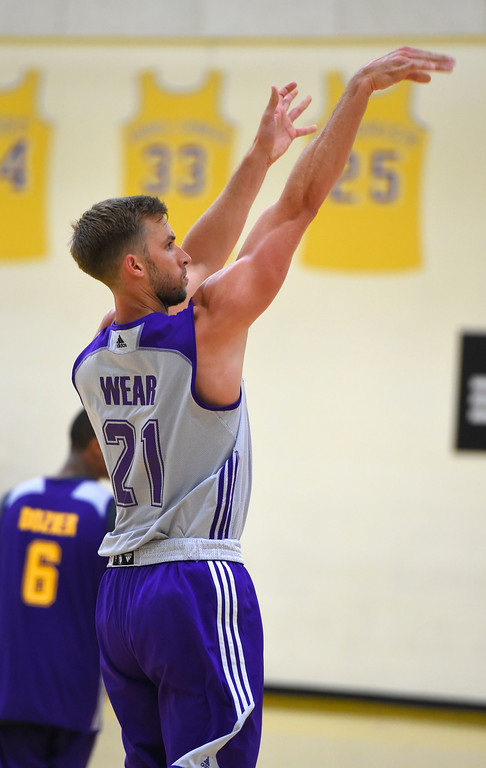 . Travis Wear practices with the team in El Segundo on Wednesday, July 5, 2017. The newest Lakers players are getting ready for Summer League games starting Friday in Las Vegas. (Photo by Scott Varley, Daily Breeze/SCNG)